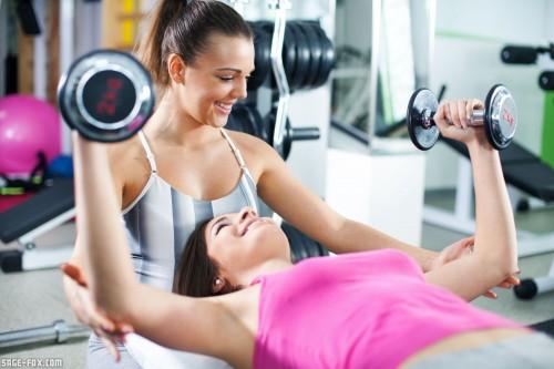 fitnesscenterwithherpersonalcoach_182867078.jpg