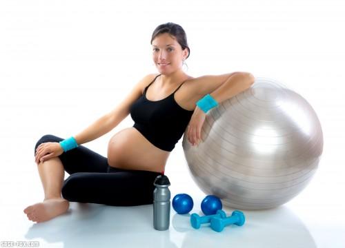 pregnantwomanatfitness_13478112_original.jpg