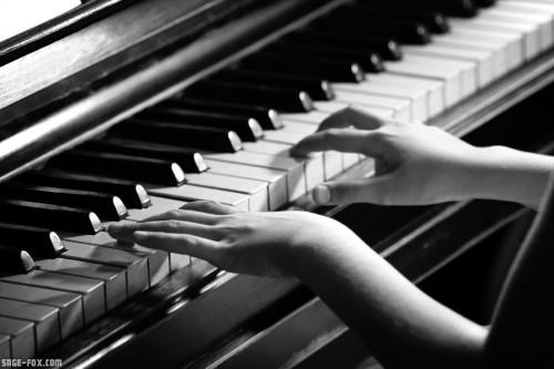 pianoplaying_87861344_original.jpg
