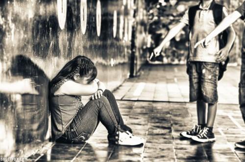 Schoolbullying_365181956.jpg