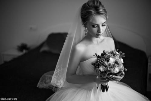 bridewithbouquet_112508172_original.jpg