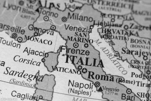 Italyonageographicalmap_374797483.jpg